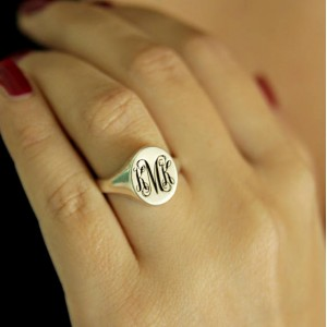 Personalised Signet Ring in with Engraved Monogram - Custom Made By Yaffie™