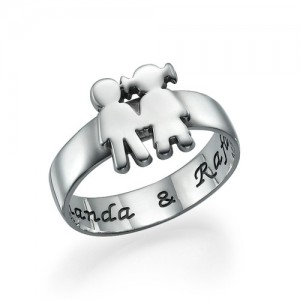 Personalised Mum Ring with Children Holding Hands - Custom Made By Yaffie™