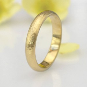 Personalised Hammered Ring Yellow Or - Custom Made By Yaffie™